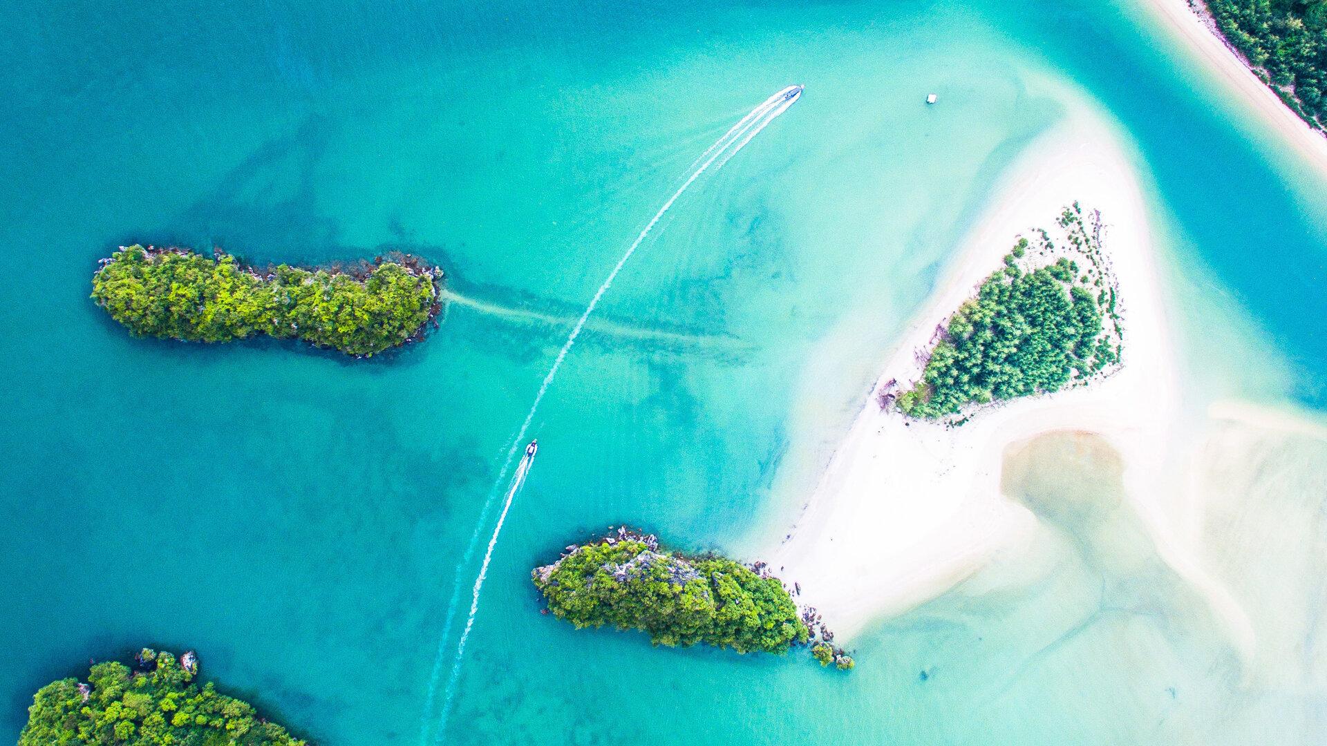 vue aérienne océan île