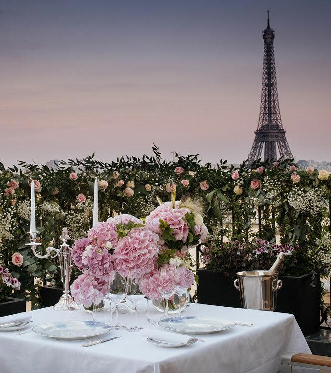 Dîner exceptionnel sur les toits de Paris